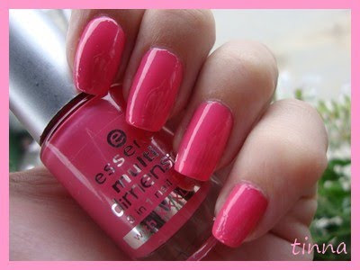 ESSENCE - LOVE OF PINK & CHINA GLAZE - TINSEL & KONAD