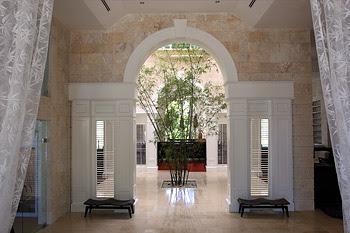 casa colonial hotel entrance