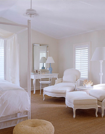 All-white bedroom-modern house design-interior