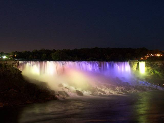 Niagara Falls December
