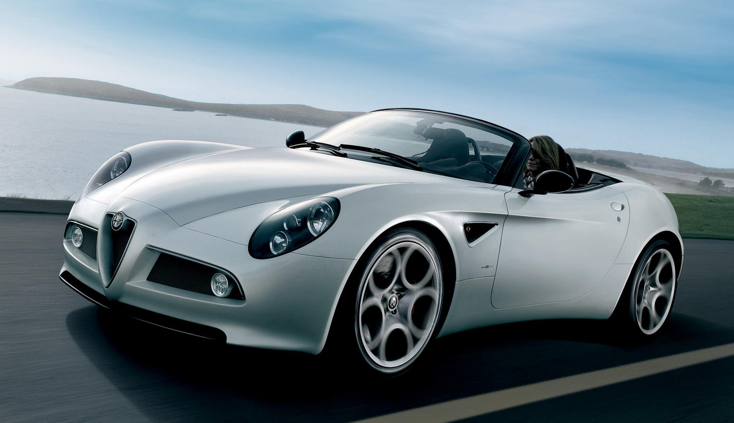 RE: Alfa Romeo 8C: You Know You Want To