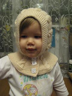 Вязаная шапочка для девочки спицами (видео .  - LiveInternet.Ru.