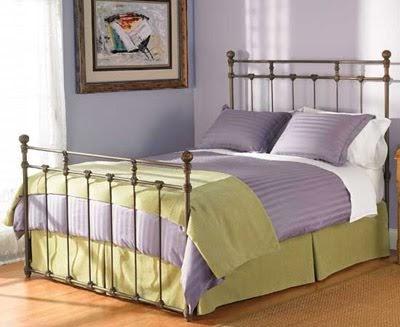 Colores para Decorar Con que colores combina pared violetalila en dormitorios