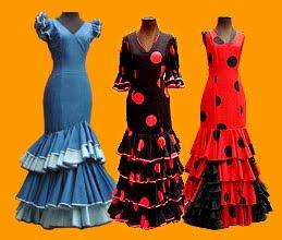 5c50c61e7 Bailaora con el típico traje de lunaresEl traje de flamenca no se ha  mantenido invariable a lo largo del tiempo sino que ha experimentado ...