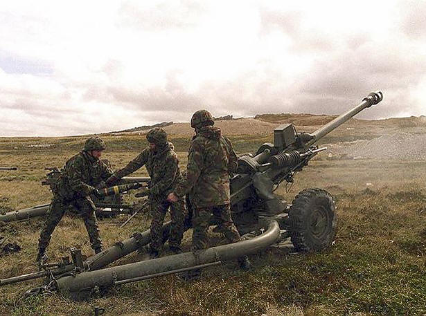Winter of '79: Long Range Snipers: British Towed Field Artillery