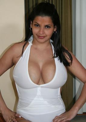 Big titty light skinned lesbian