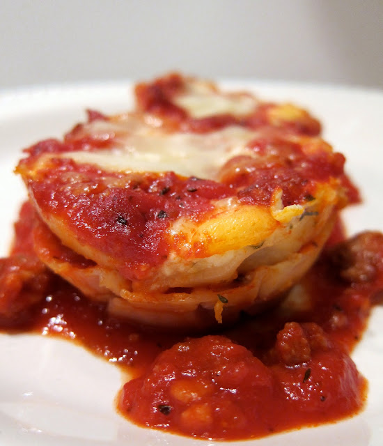 "Lasagna ""Cupcakes"" - layer wonton wrappers, cheese and sauce in muffin pan"