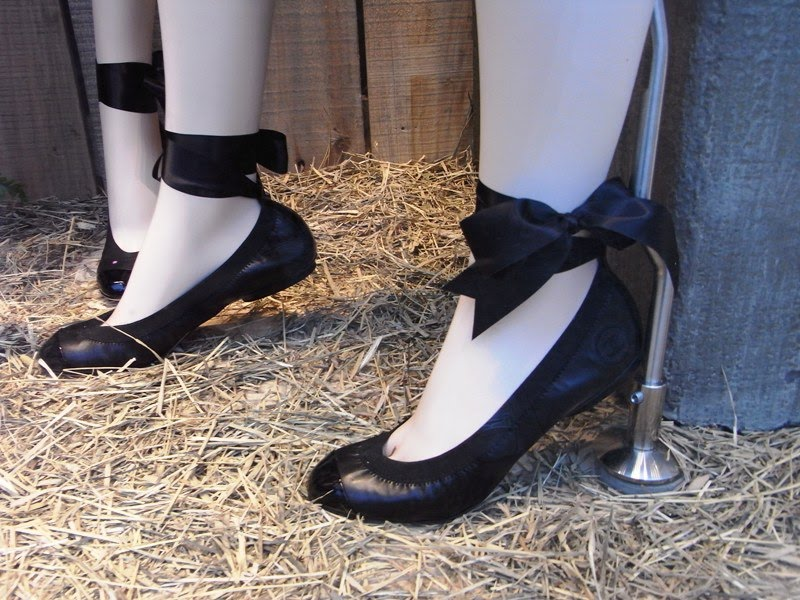 40193e0a28e Savvy Mode  Chanel Ballet Flats