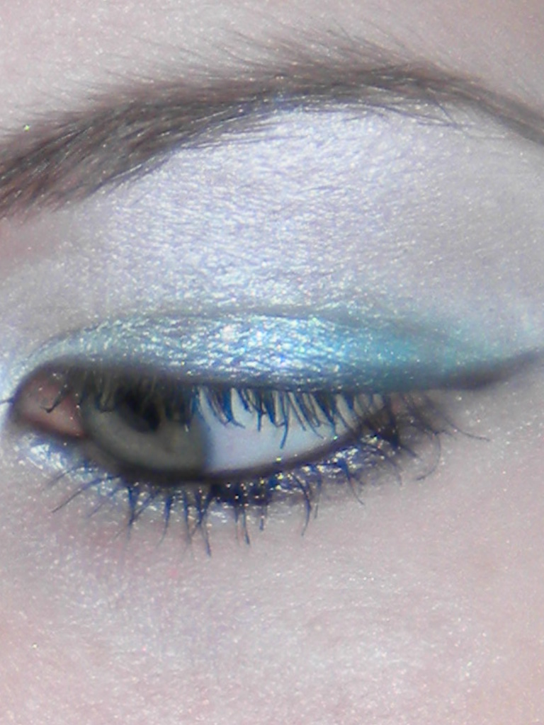 """All Day I Dream Of Makeup: Taylor Swift """"Teardrops on My ..."""