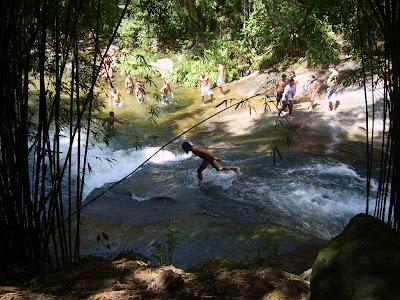 viajando sem frescura rio de janeiro rj sana macae região serrana cachoeiras camping escorrega