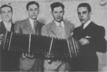 Linea de Bandoneones de la Orquesta Jose Tinelli(Mejias, Villy, Leocata y Perry)