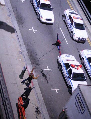 spider man web swinging 2 - Spiderman haciendo lo que hace mejor.