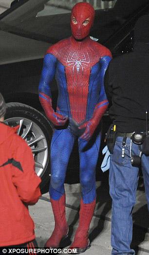 spidermansetpicsfeb4a7 - Fotos de Spiderman en acción!