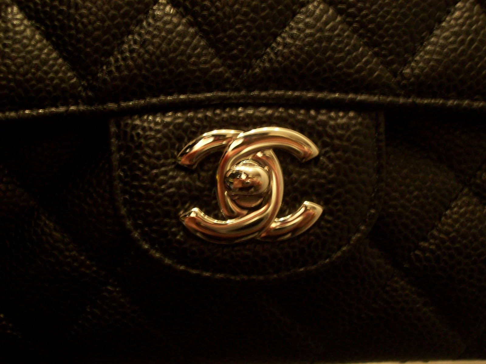 9879ce3bf7ba2b Rep Bags Chat: Chanel Classic bag Review.