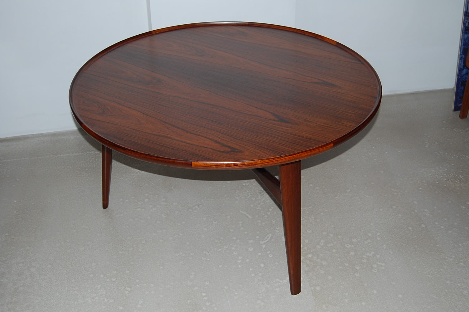Round Contemporary Coffee Table Round Modern Coffee Tables