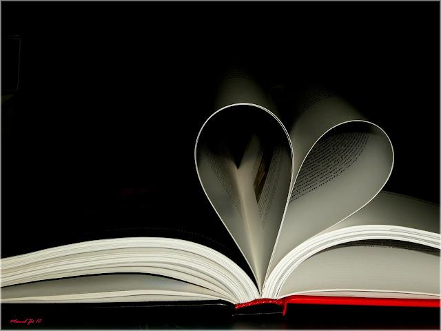 Resultado de imagem para coração com livros