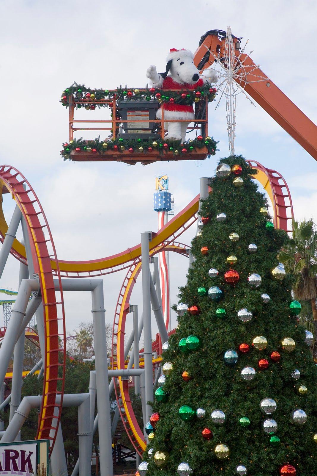 Inpark Magazine Knott S Merry Farm Invites Everyone To A Charlie Brown Christmas