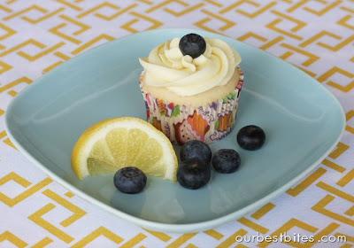 Lemon-Blueberry filled cupcake with lemon