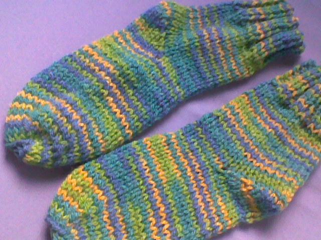 Meia trico 2 agulhas. Meia com 2 agulhas é bem mais fácil de se fazer do  que parece. Com costura lateral b3087ee360c