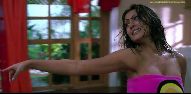 Amazing Photos Rimi Sen Hot  Wet With Abhishek Bachchan -4691