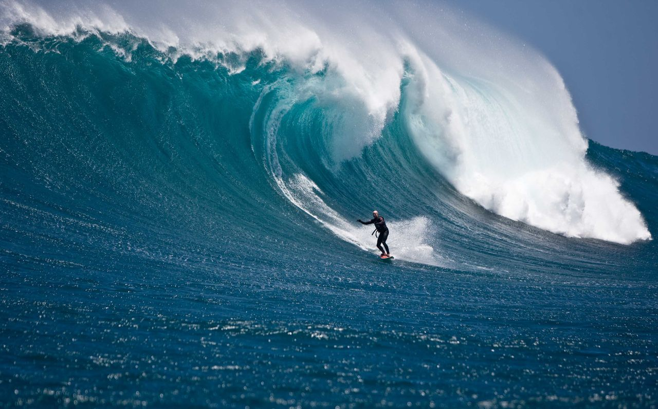 13 Cool Big Wave Surfing Pictures - Go To The World...