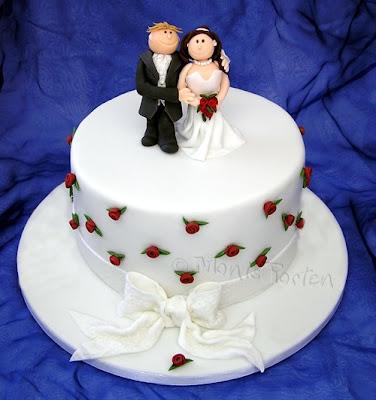Cici Hochzeitstorte Mit Brautpaar
