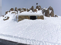 Summit shelter hut and pinnacle in snow, Mt Wellington - 18th August 2008