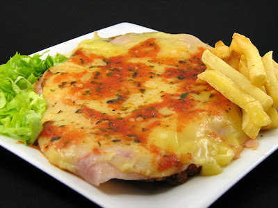Milanesa a la Napolitana with French Fries