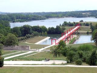 ダニ・カラヴァンの都市環境設計、大都市軸Axe Majeur