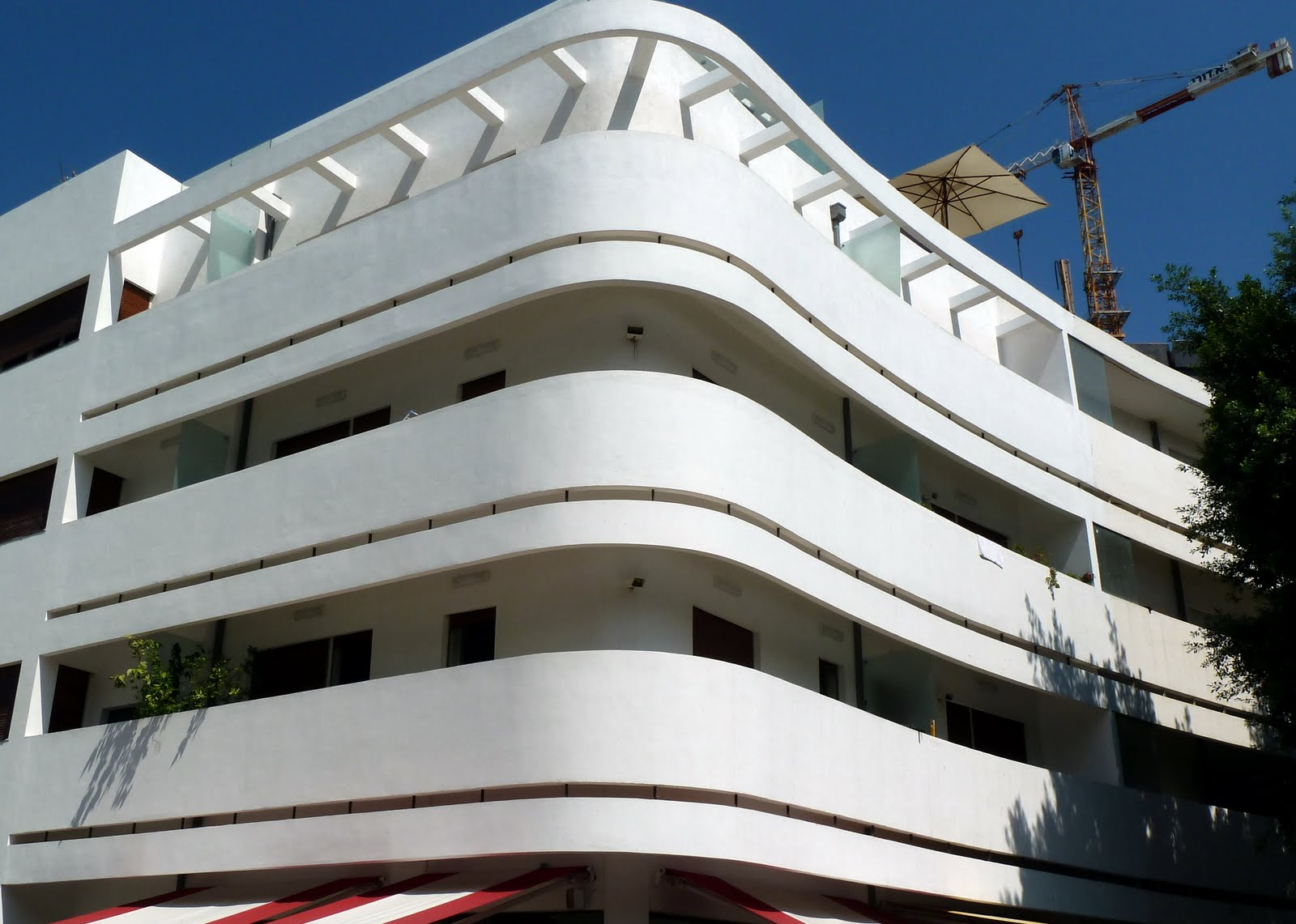 Bauhaus Among 12 Modern Buildings to Receive Conservation ...