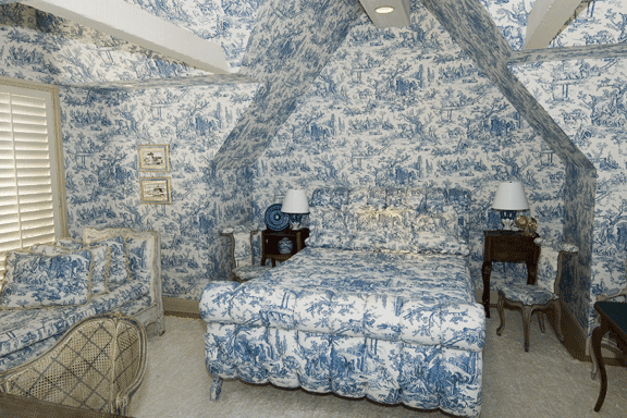 Bedroom Decorating Ideas Totally Toile: Selected Spaces: Bold Murals, Wallpaper