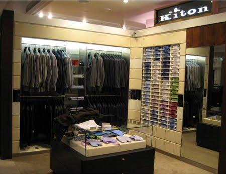L azienda ora conta 26 negozi monomarca e circa 20 punti vendita tra corner  e shop in shop nel mondo. 9475f9aa770