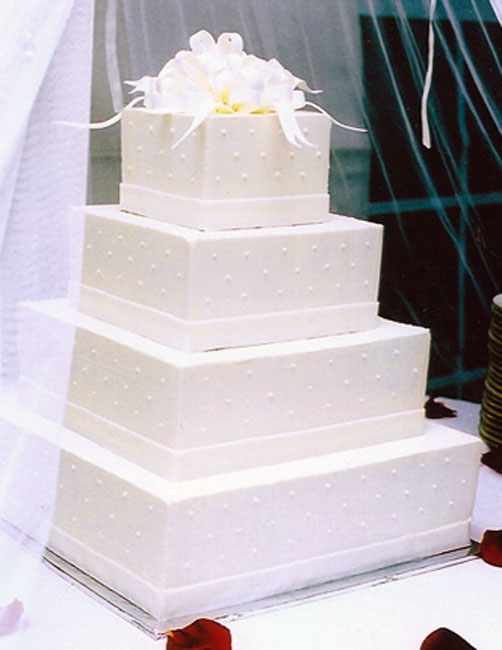simple rectangle wedding cakes white square wedding cakes decorate food and drink 20008