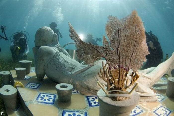 World's largest underwater museum in Mexico: 14