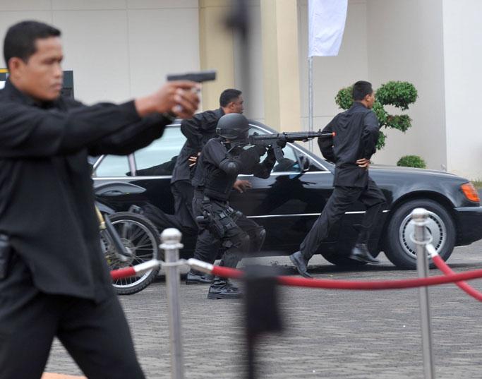 Indonesia birahi istri saat ngentot dengan selingkuhan - 4 10