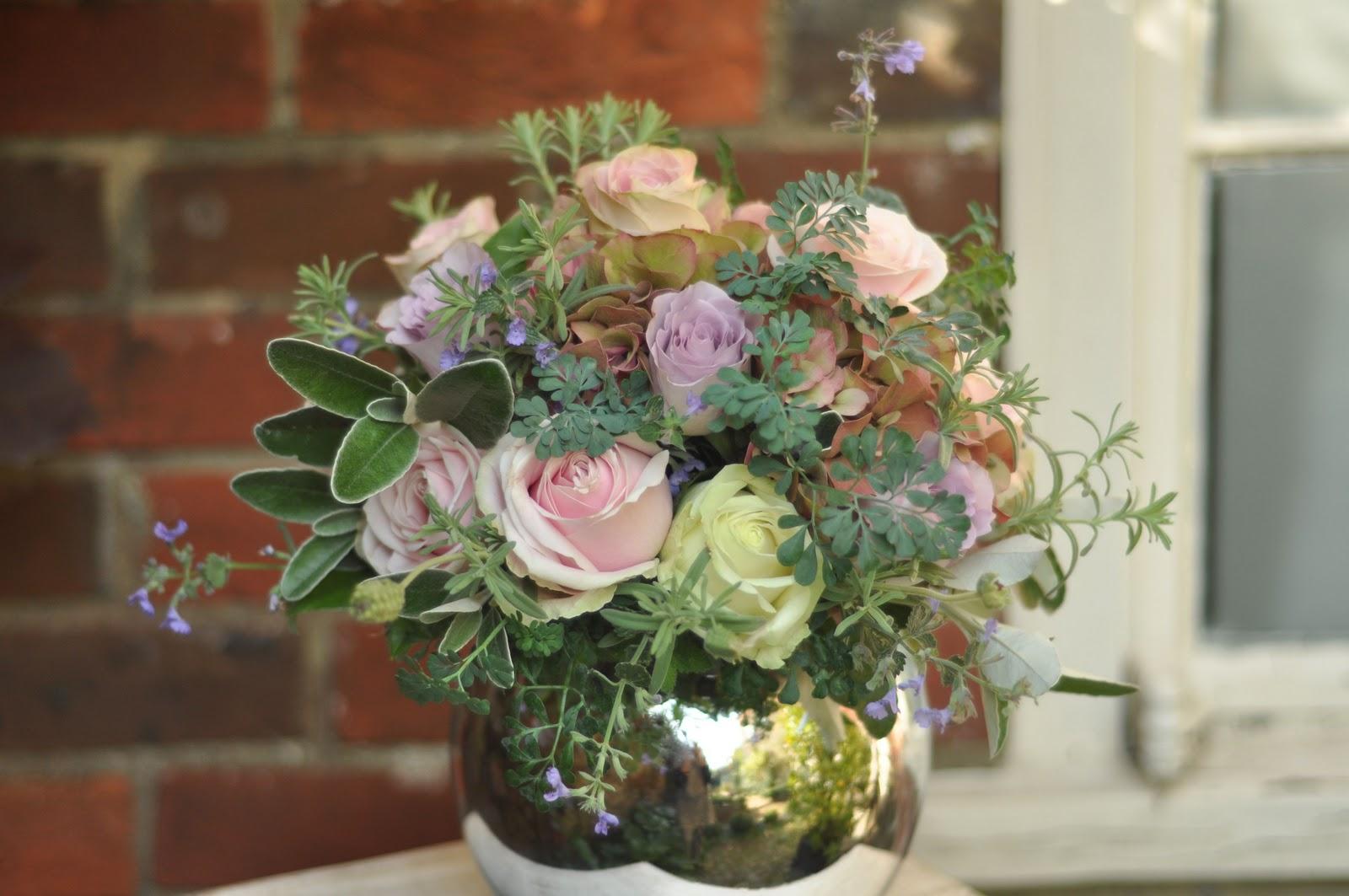 Spriggs Florist Roses Memeory Lane Sweet Avalanche Upper Secret