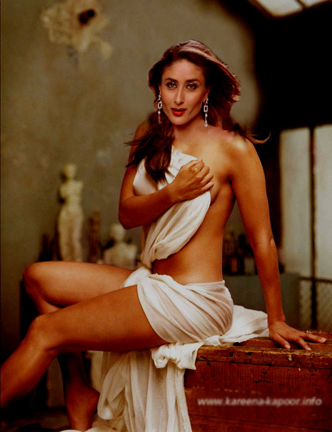 Bollywood Actress Kareena Kapoor Hot Bikini Photo Gallery