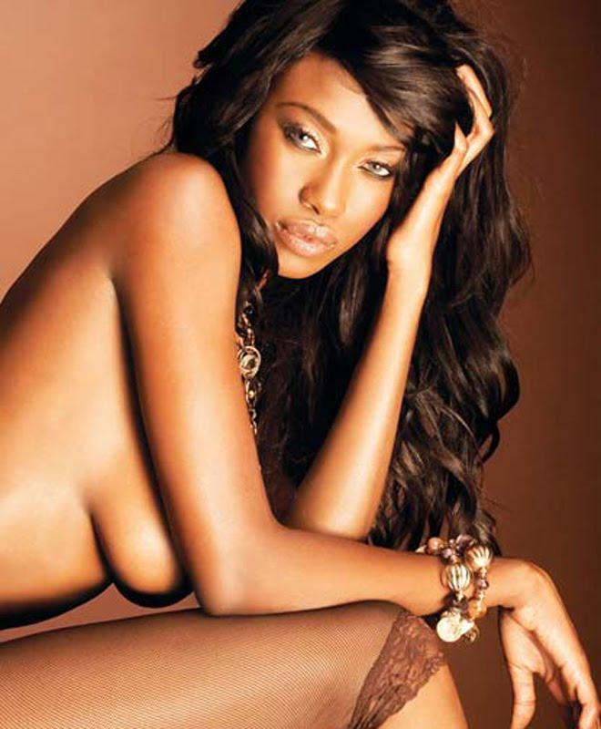 Benny hill chicas desnudas