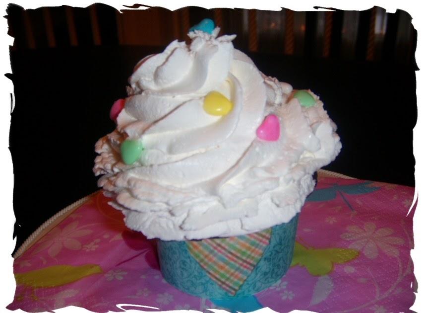 Pixeltrashamania: Free Cupcake Wrappers