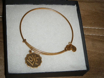 { REVIEW } Alex and Ani Jewelr...