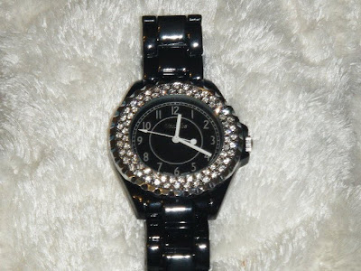 { REVIEW } Tabloid Style Watch...