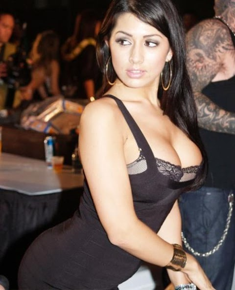 Hot Middle East Girl - Hot 12 Pics | Beautiful, Sexiest