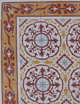 Traditional Kitchen Tiles