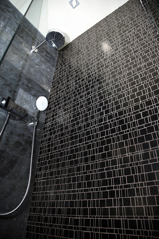 Black Mosaic Kitchen Wall Tiles