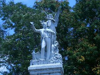 Detalle Monumento a Jose María Heredia en Santiago de Cuba