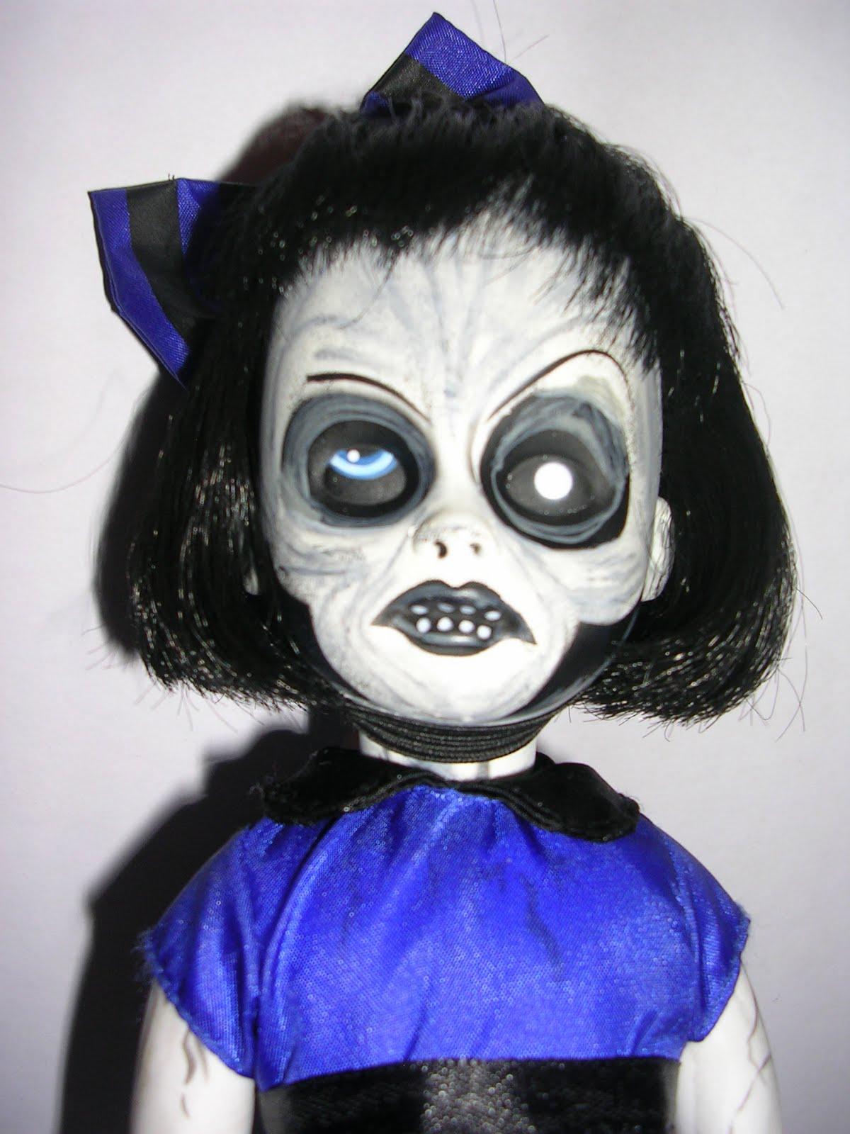 Living Dead Dolls Reviews