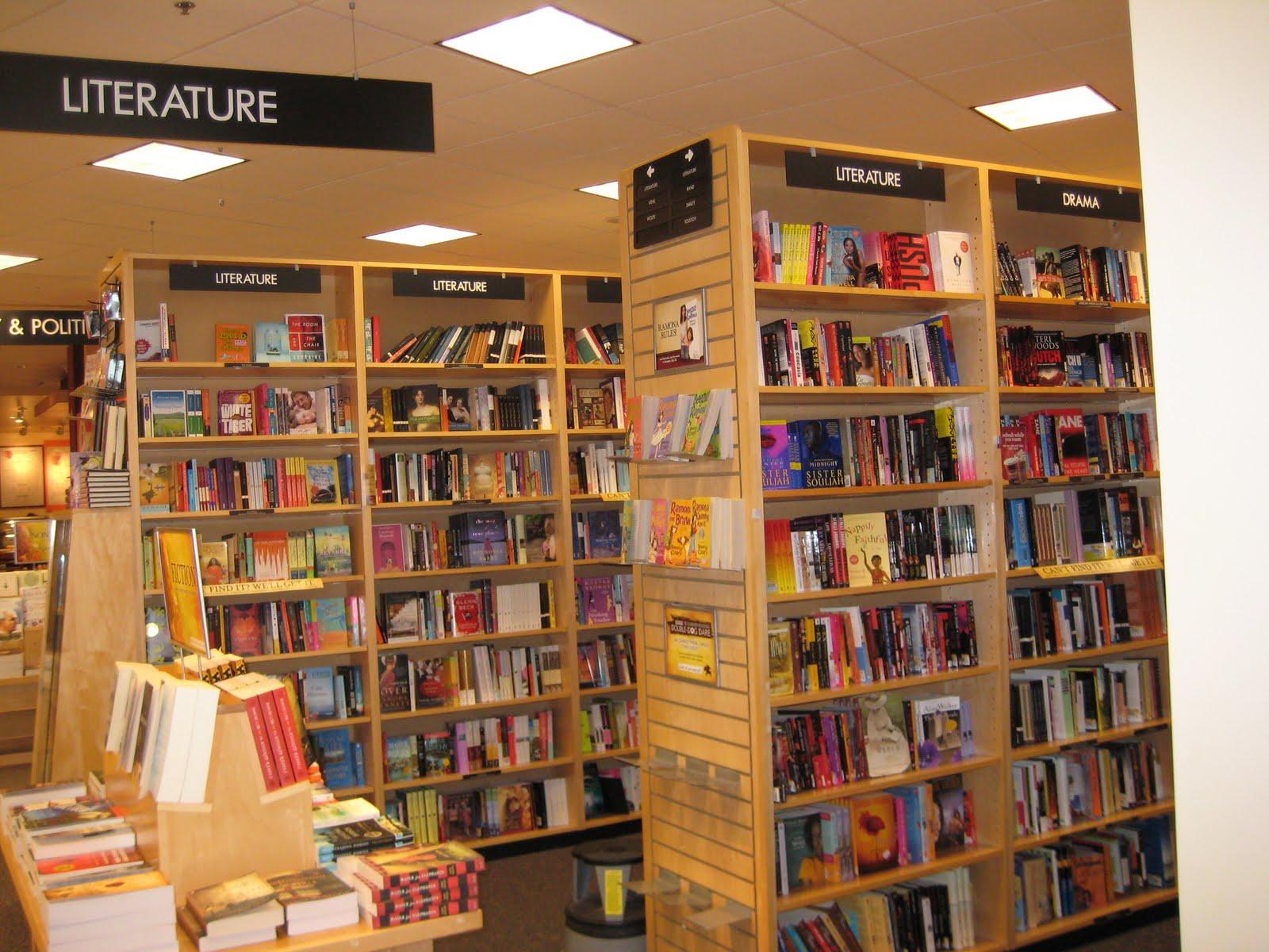 Lena Amp Familylife Inside Borders Bookstore