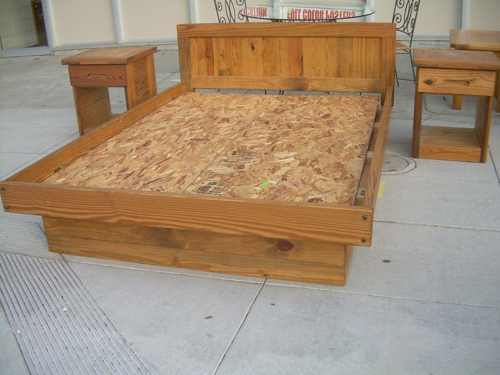 Oak Beds At The Galleria