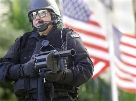 https://i1.wp.com/3.bp.blogspot.com/_hypKi4hxAJQ/TCp4_3uvXkI/AAAAAAAAAxw/uogOnqwDi5I/s1600/martial+law.jpg