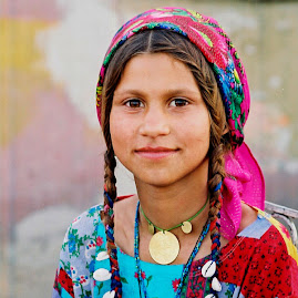 ROMA GIRL IN ROMANIA